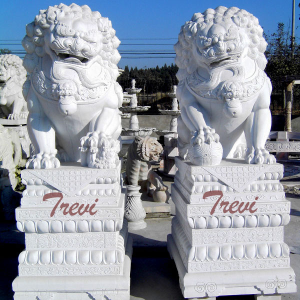 Lion Statue With Ball Garden Ornaments and Sculptures for Front Porch